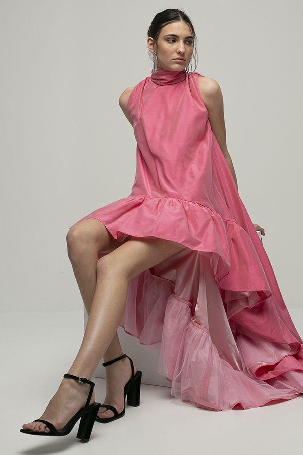 Encinar vestido de fiesta largo amber cola rosa volantes volumen rosa 1