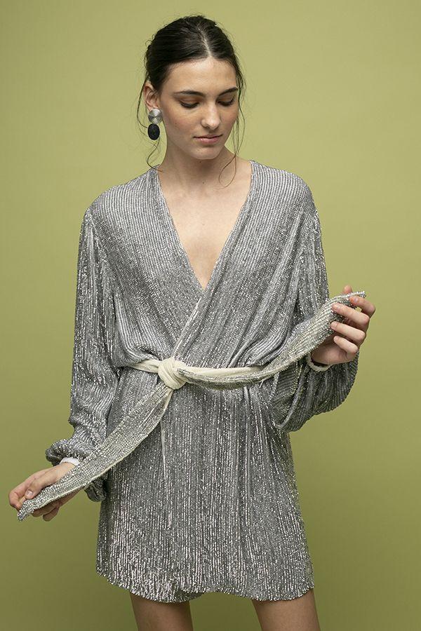 Retrofete gabrielle vestido cruzado lentejuelas gris corto 2