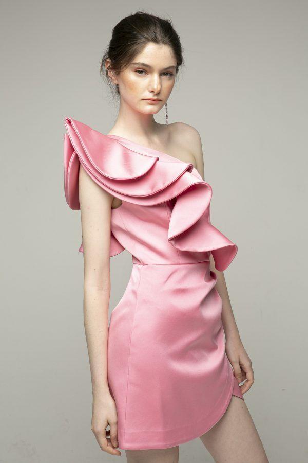 keepsake-resolve-vestido-rosa-corto-volumen-un-hombro-1