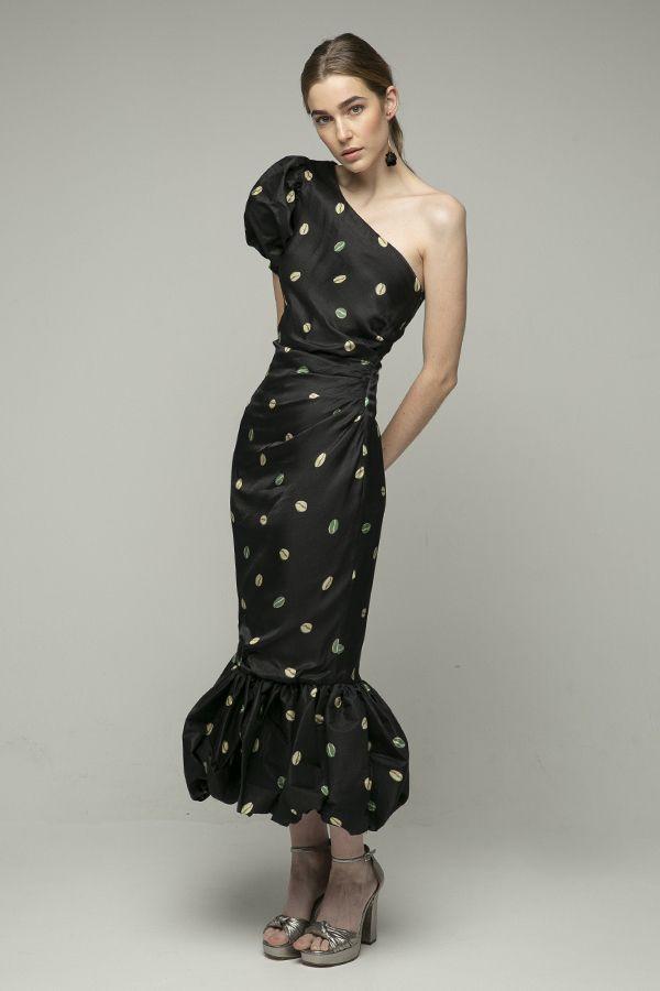 Azulu-vestido-negro-un-hombro-midi-1